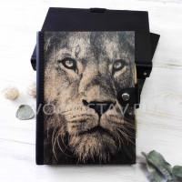 Ежедневник из дерева и кожи Лев (LW-00003)