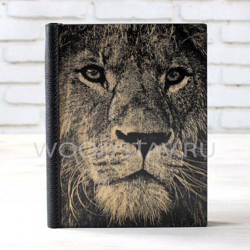 Ежедневник из дерева и кожи Лев